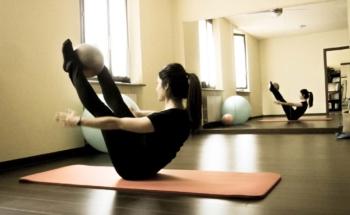 classi-gruppo-pilates-centro-7vite-yoga-muscoli-schiena-osteopatia-viadana-guastalla-casalmaggiore-parma-mantova-gualtieri-boretto-brescello